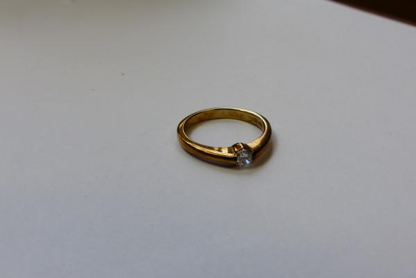 Ring aus 333er Gelbgold mit Zirkonia